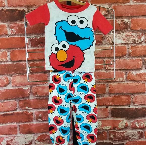 6944bdce Sesame Street Cookie Monster Elmo Pajamas. M_5bd9fd09d6dc526bc1bfaa5f